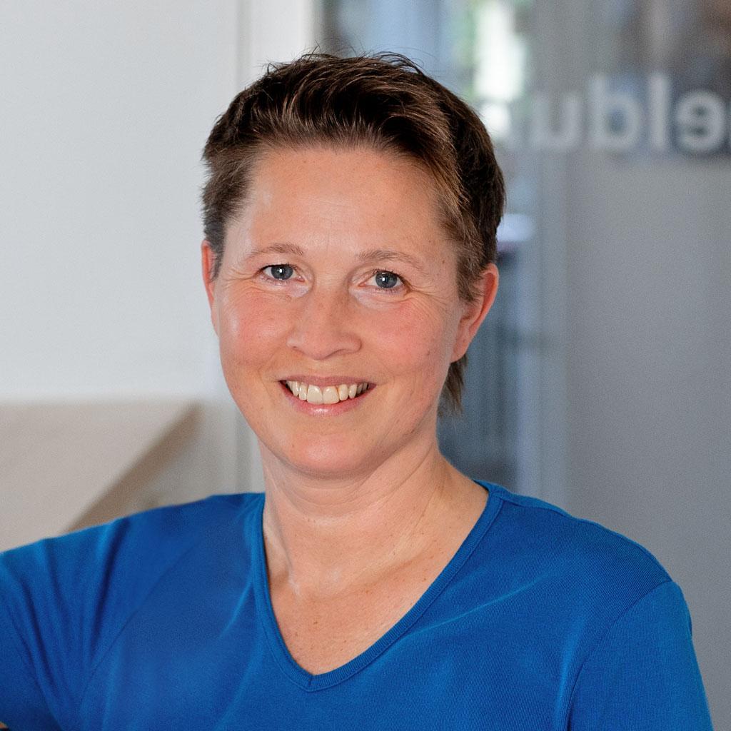Frau Petra Becher